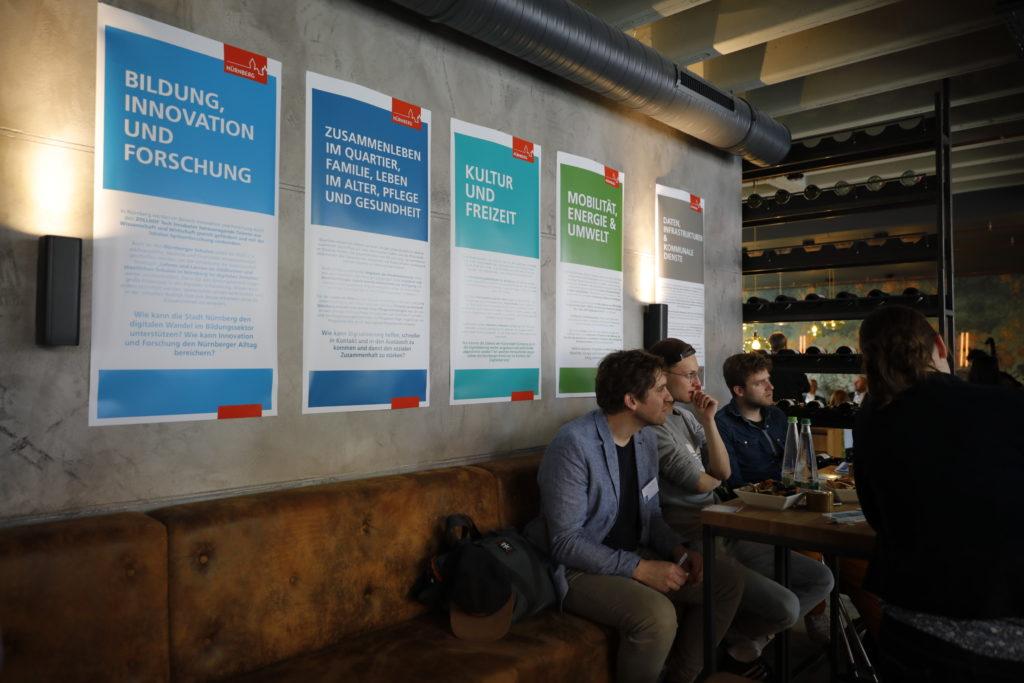 """Dialoginseln bei der Veranstaltung """"Mein Digitales Nürnberg"""" © Wirtschaftsförderung Nürnberg"""